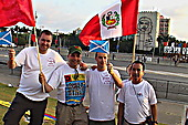 Neil, Alan and Tommy with Peruvian May Day delegates after finishing the cycle challenge in Havana 2008